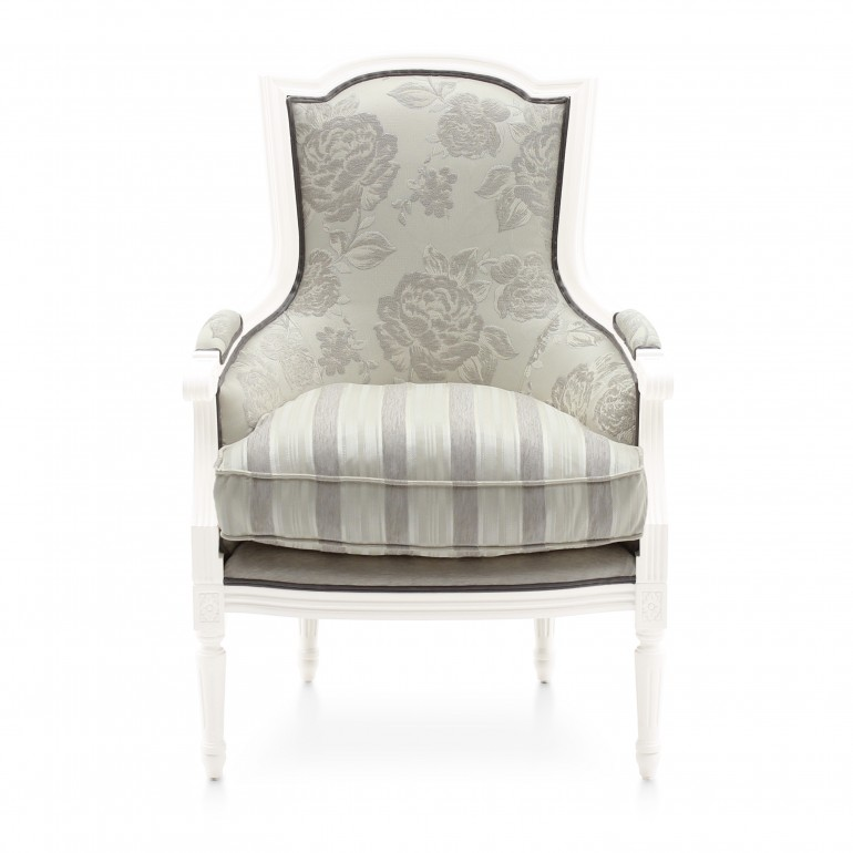 1640 classic style wood armchair victoria2
