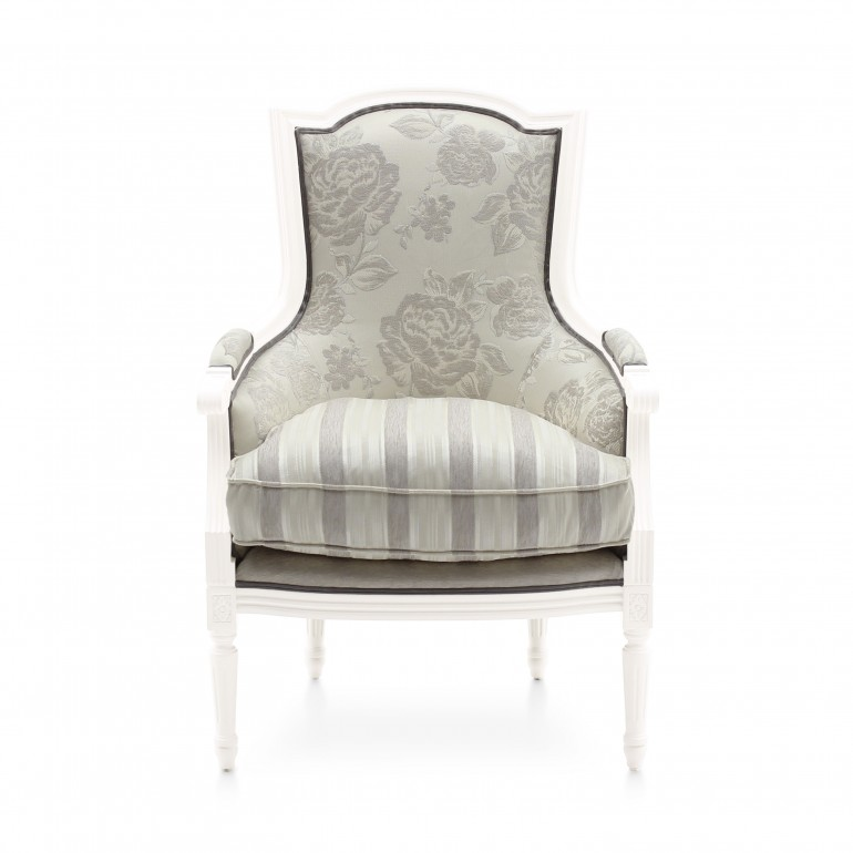 2541 classic style wood armchair victoria2
