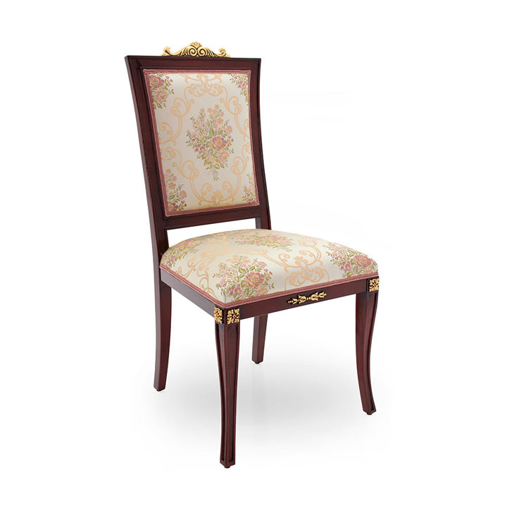 Victorian chair Lorena by Sevensedie in  classic Victorian style - beech wood frame - polished in antique glossy mahogany with gold leaf accents. Upholstered in floral cream/salmon damask fabric.