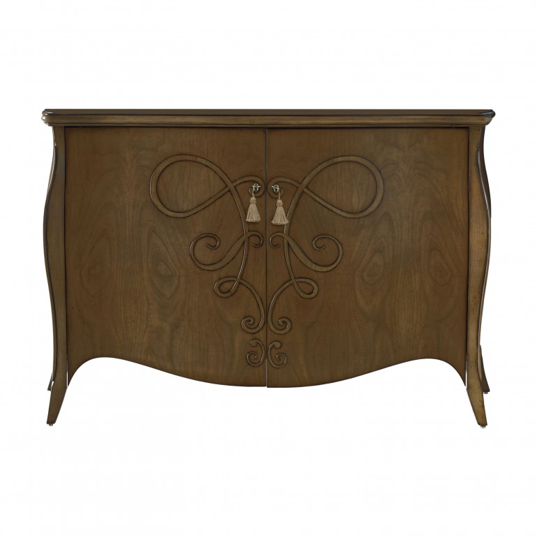 classic style wooden chest of drawers