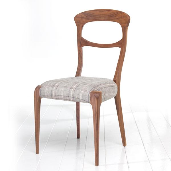 Produzione sedie classiche e moderne divani e poltrone in for Sedie stile moderno