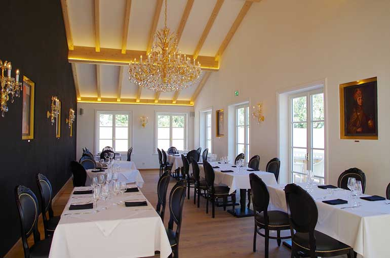 Louis style chair Sabry with contract U stretchers by Sevensedie in Restaurant Ludwig at the T�lzer golf club in Munich Germany